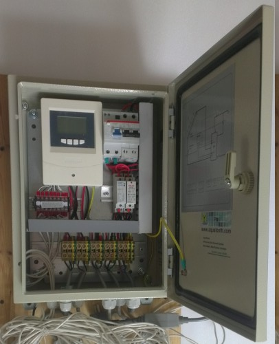 AT11007-solar-hot-water-controller-box.jpg